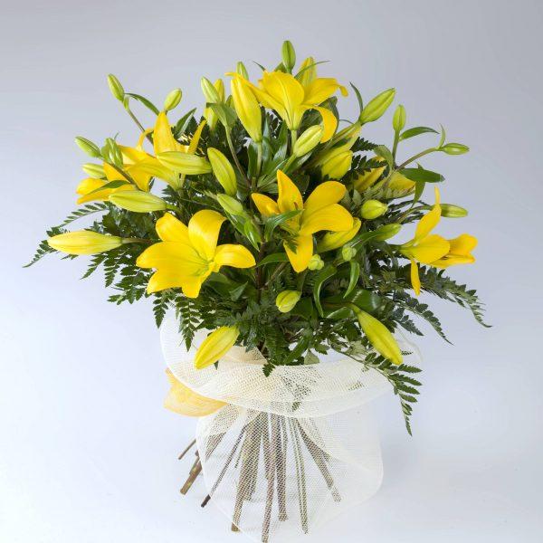Ramo de lilium amarillo